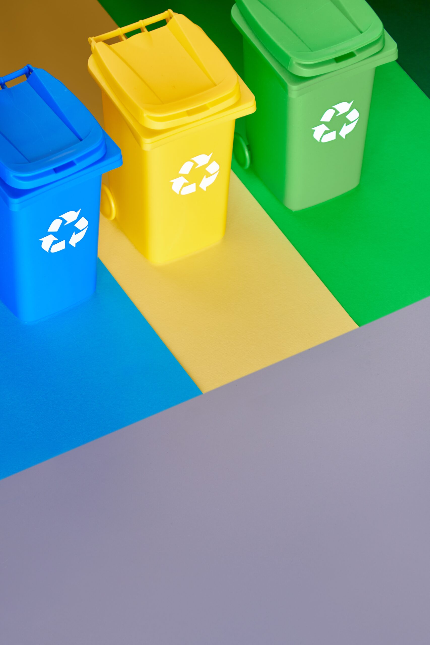 three-color-coded-recycle-bins-isometric-picture-o-7MR3VW9